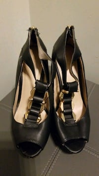 Womens Size 7 Black & Gold Platform Stiletto Heels Mississauga, L5M 0B7