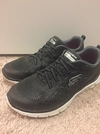 Nearly New Size 9.5 Skechers London, N6G 5L5