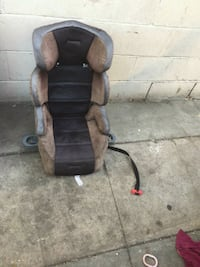 brown and black car seat