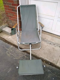 Beach chair with foot rest in decent condition Haledon, 07508