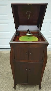 Antique Victrola Phonograph  Record  Player  Fairfax, 22032