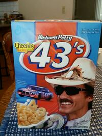 Richard Petty 43 Cheerios cereal box double sided. Minneapolis, 55427