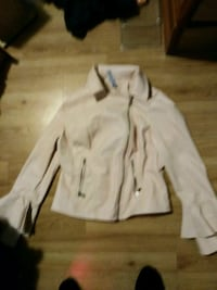 beige zip-up jacket Edmonton, T5B 3Y1