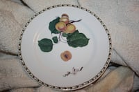 4 English Fruit Plates FREEHOLD
