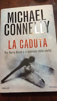 La Caduta di Michael Connelly libro Naples