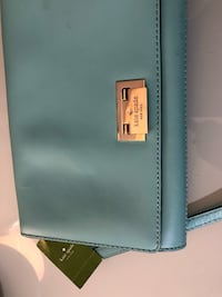 Kate spade purse never used Surrey, V3R 3L3