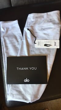 Brand New Alo Yoga Pants Oneonta, 13820