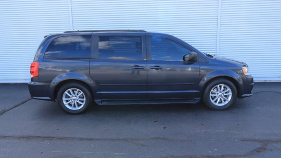 2014 Dodge Grand Caravan SXT / ONE OWNER / BACK UP CAM  / DVD PLAYER 6139c23b-dd59-4a41-a5ad-3094be82123f