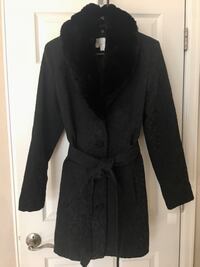 NEW Women's L Black Textured Coat with Fur Collar Arvada, 80004