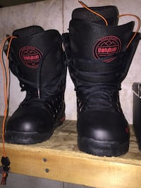 Snowboarding boots Calgary, T3C 0T3