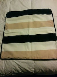 Striped cushion cover (3 pics) Vaughan, L6A 3P3