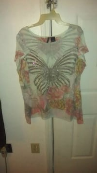 women's white and pink floral sleeveless top Warner Robins, 31093