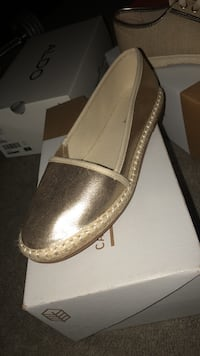 Call it spring flats size 7 Woodbridge, 07095