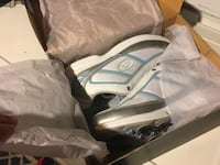 Acuity ladies golf shoes never worn. Size 7.5. New $60. Hagerstown
