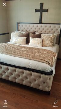 Tufted brown queen bed frame  Cerritos, 90703