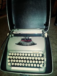 Smith Corna Typewriter Lexington, 27292