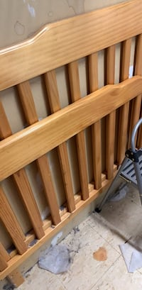 Double bed frame good condition 36 mi
