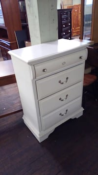 White chest of drawers