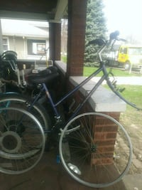 black and gray hardtail mountain bike Indianapolis, 46241
