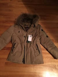 Brand new parka coat, 90% down, 10% feather size medium to large