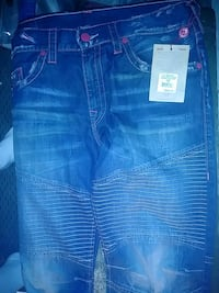 True religion size 38 paid 250.00 need 50.00 for d Sparks, 89431