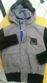 Grey and black zip-up jacket for boy 3-4 years