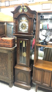 VINTAGE ETHAN ALLEN GRANDFATHER GRANDMOTHER CLOCK address in ad Los Angeles, 90032