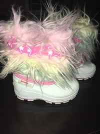 Winter boots Size 6 girls Calgary, T1Y