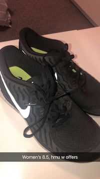 Black nike running shoes Fort Erie, L2A
