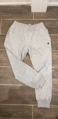 Men's Champion Pants L  Toronto, M4Y 2J4