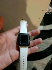 silver aluminum case Apple Watch with white sports Chino, 91710