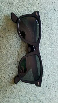 Ray-Ban wayfarer sunglasses  Germantown, 20874