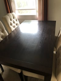 Rectangular brown wooden dining table 40 km
