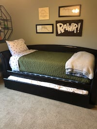 Twin bed with trundle and 2 mattresses Edmond, 73034