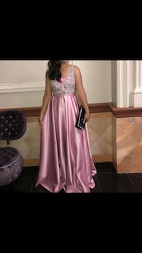 Pink evening prom gown Toronto, M5A 1X6