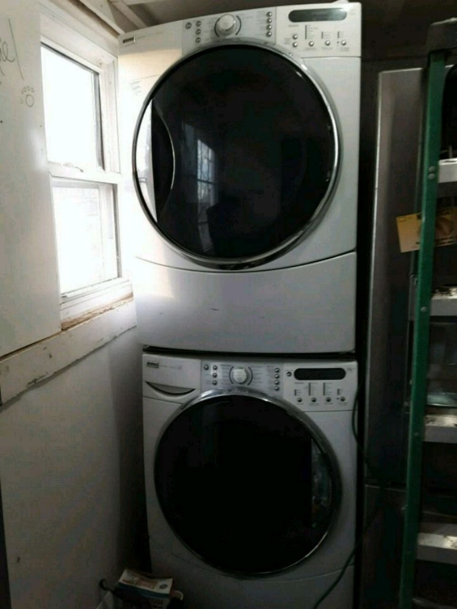 Photo Kenmore dryer and washer.