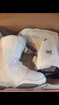 pair of white UGG boots Calgary, T2N 1M4