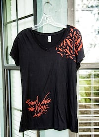 Roger Waters The Wall Tee Shirt Size XL Belleview