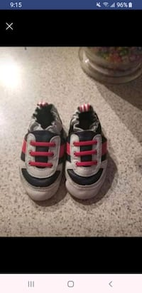 Robeez 6 to 12 month shoes. practically brand new. Calgary, T3K 5G7