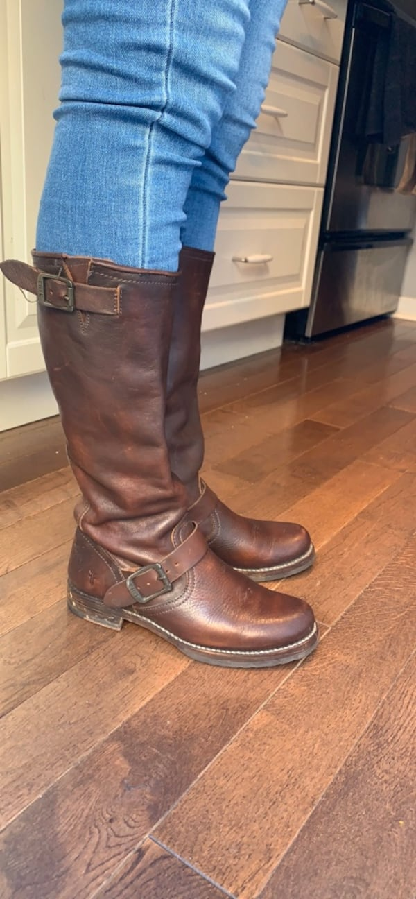 FRYE leather boots size 7 0be9706a-fef5-46e0-acd3-a06bb4c81fa9