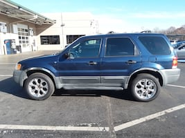 2003 Ford Escape XLS Sport