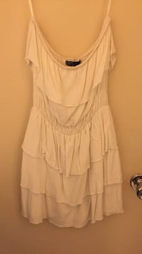 Small strapless white ruffled dress Edmonton, T5Y 1M3
