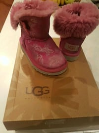 UGG Australia Winter Butterfly Button Girls Boot Laval, H7M 5W7