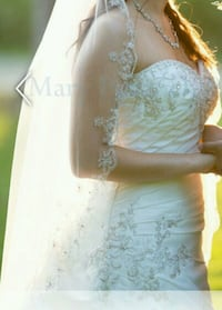 Gorgeous wedding gown Nashua