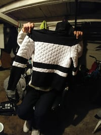 white and black crew-neck sweater Winnipeg, R2W 1T6