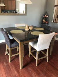Dining Table and chairs Clarksburg, 20871