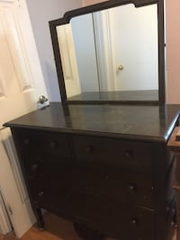 Beautiful dresser with mirror and 2 small drawers and 2 large drawers.  Pick up only.  Check out my other adds for furniture  Toronto, M8V 2H8