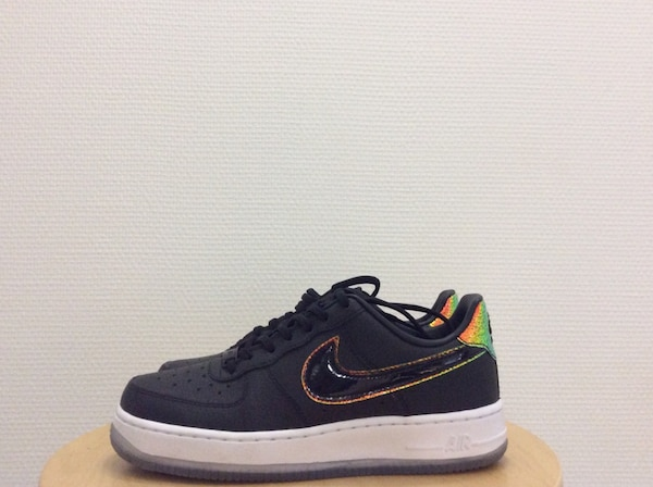 Baskets basses Nike Air Force 1 noires