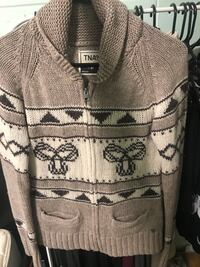 gray and white floral zip-up jacket Toronto, M1L 1B6