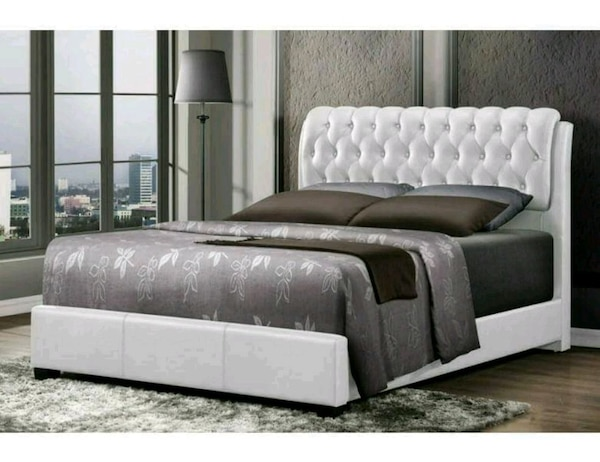 BRAND NEW White Tufted Bedroom Set!+ Delivery